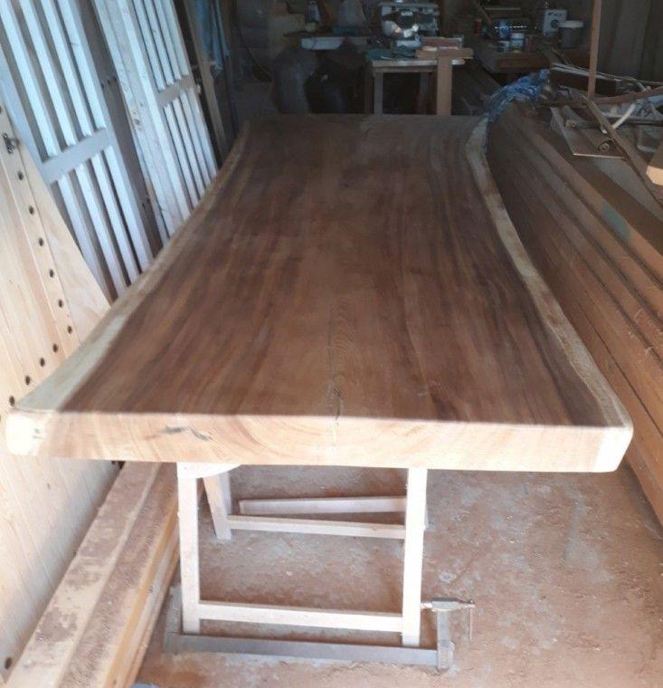 Ajustar el tamaño de una mesa para comedor de madera de Suar